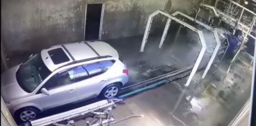 Car catches fire in car wash
