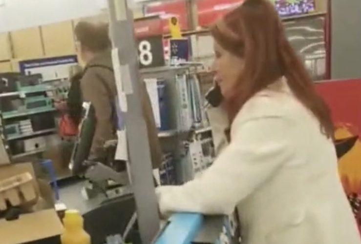 Customer answers Walmart's phone
